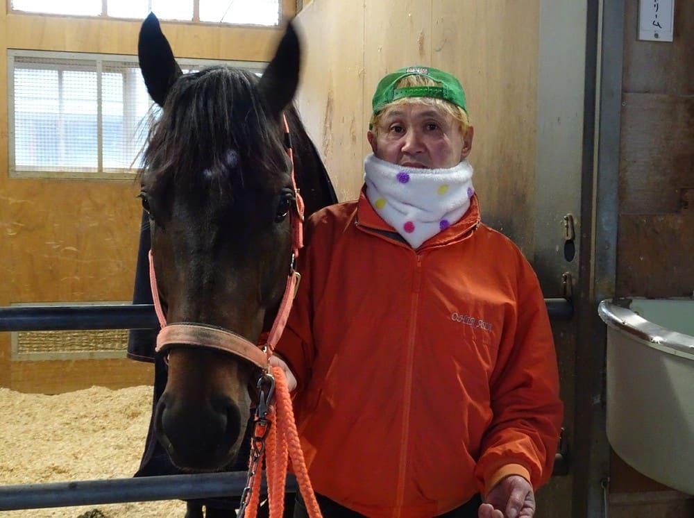 厩務員と競走馬